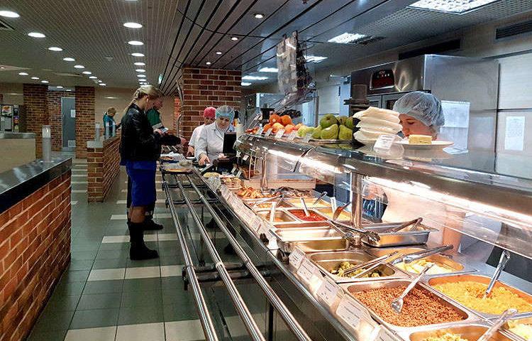 Где вкусно и недорого поесть в аэропорту Домодедово