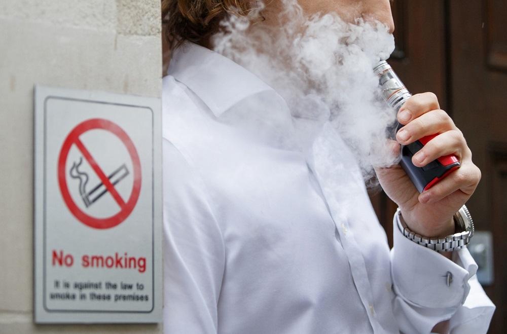 Где можно покурить в Шереметьево