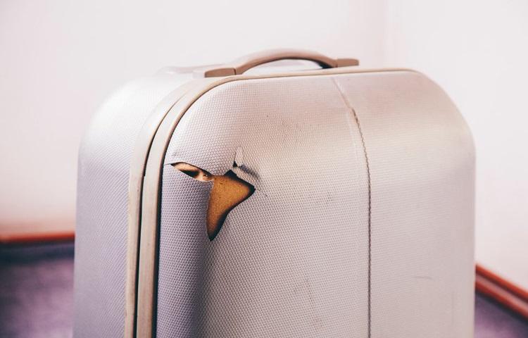 Аэрофлот повредил чемодан