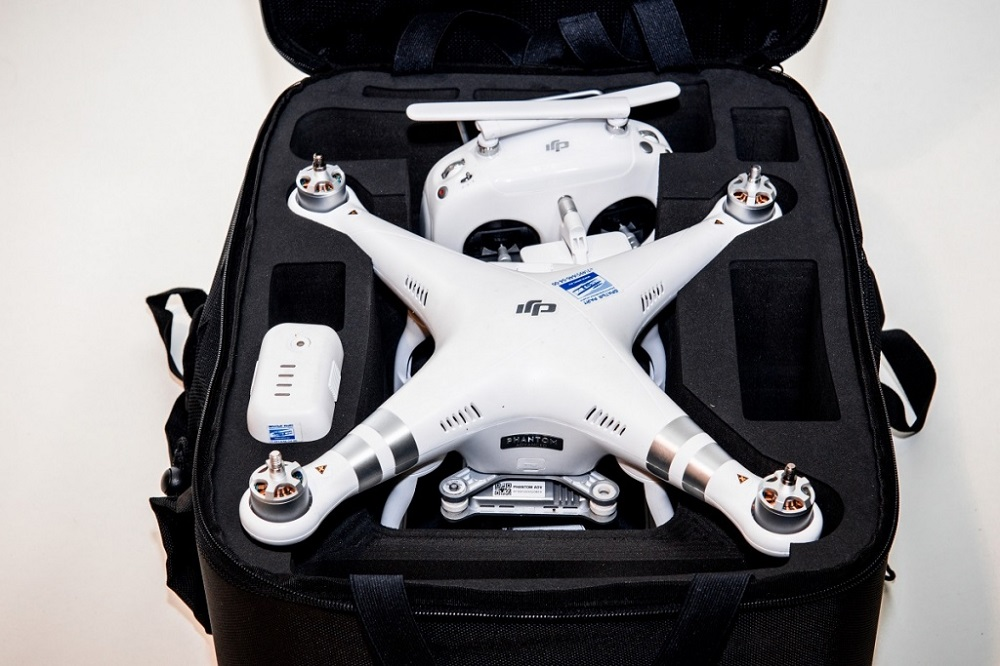 Перевозка дрона в самолете