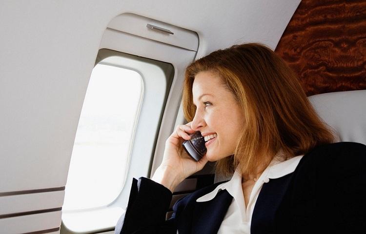 Использование мобильника в самолете
