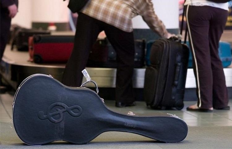 Транспортировка гитары в самолете