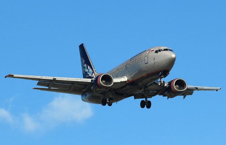 Авиалайнер Boeing 737-500