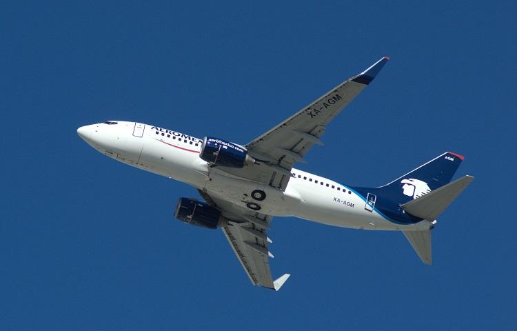 Самолет Boeing 737-700