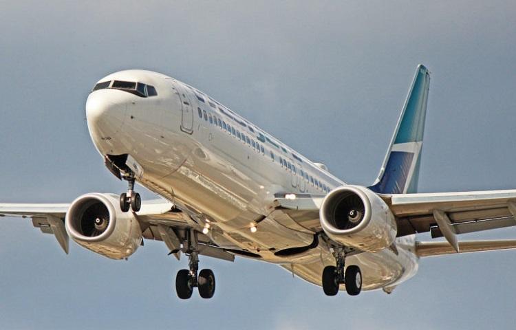 Самолет Боинг 737 800