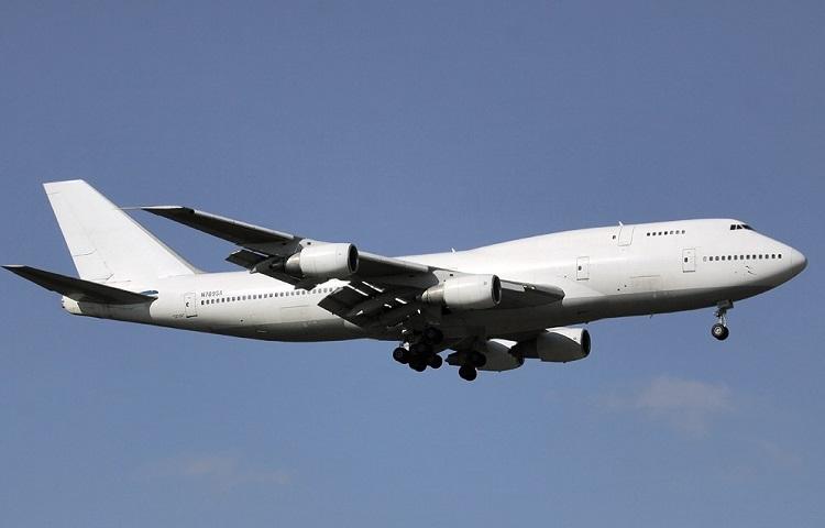 Самолет Боинг 747-300