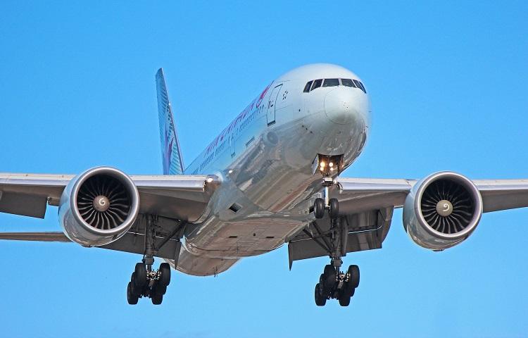 Авиалайнер Boeing 777-200