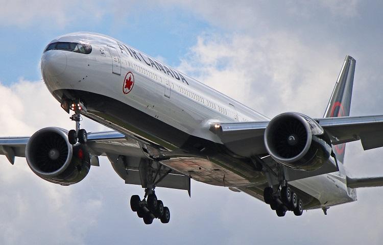 Авиалайнер Boeing 777-300