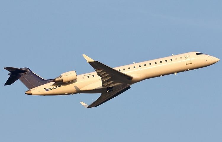 Самолет Бомбардье CRJ-700