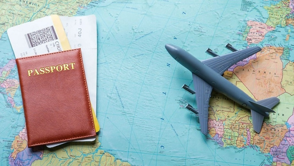 Перелет при смене паспорта