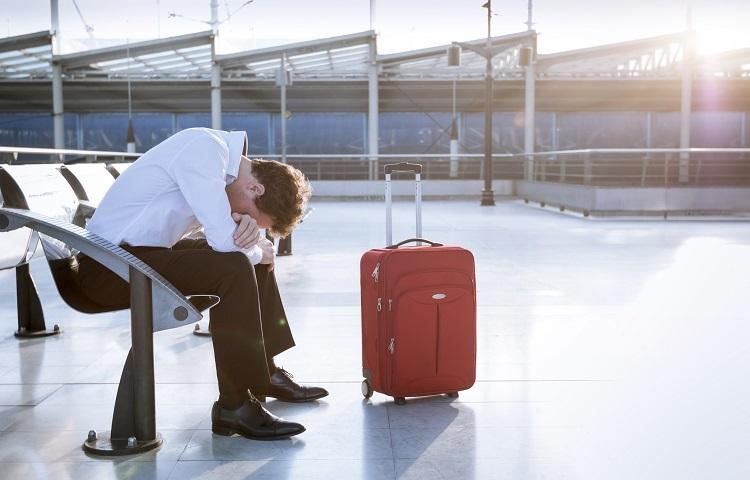 Перелет на самолете с долгами