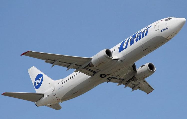 Лайнер Boeing 737-400 авиакомпании ЮТэйр