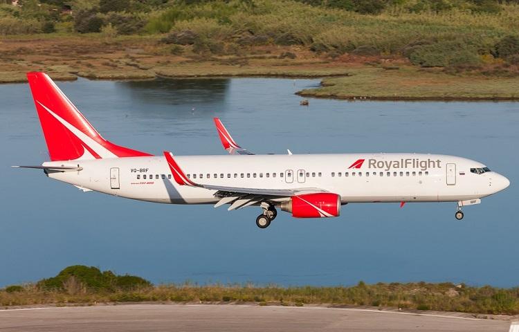 Авиалайнер Boeing 737 Роял Флайт