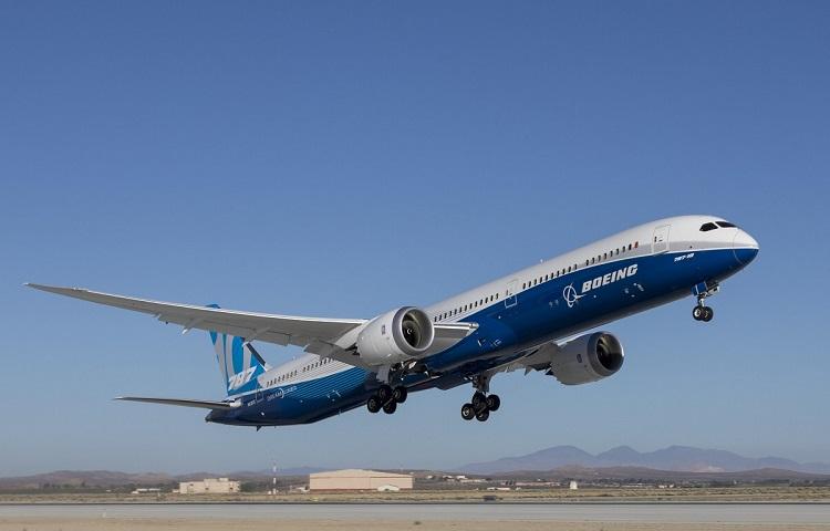 Авиалайнер Boeing 787 Dreamliner