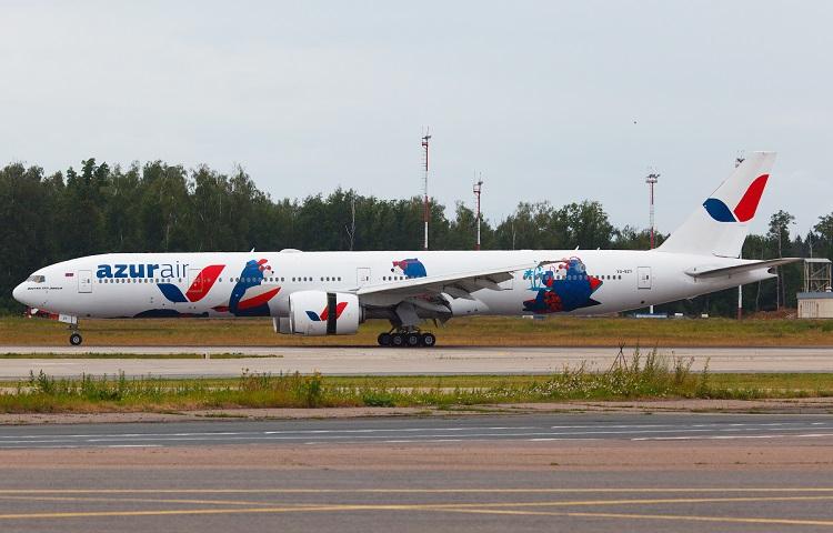 Boeing 777-300 авиакомпании Азур эйр