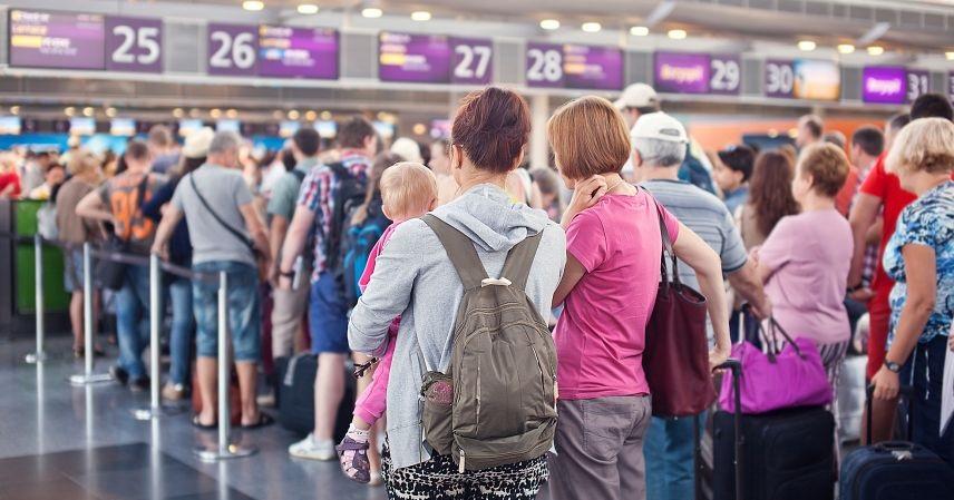 Регистрационная стойка на рейс Ираэро