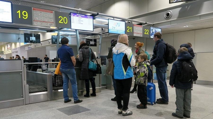 Очередь на регистрацию на самолет Азимут