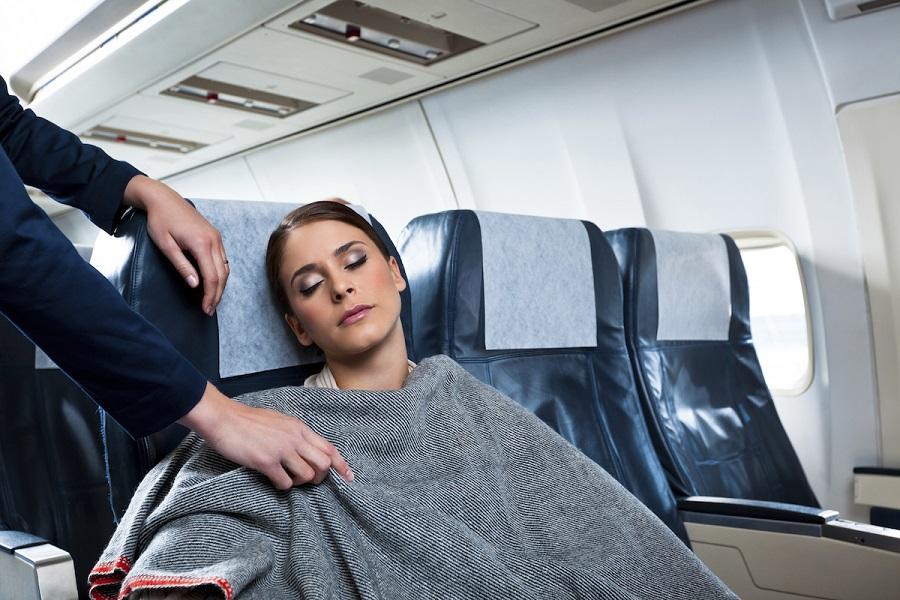 Сон во время авиаперелета