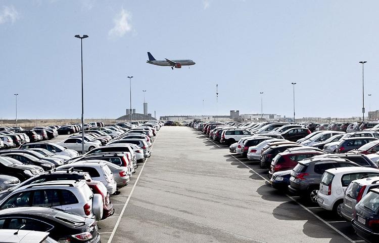 Парковки у авиагавани Калуга