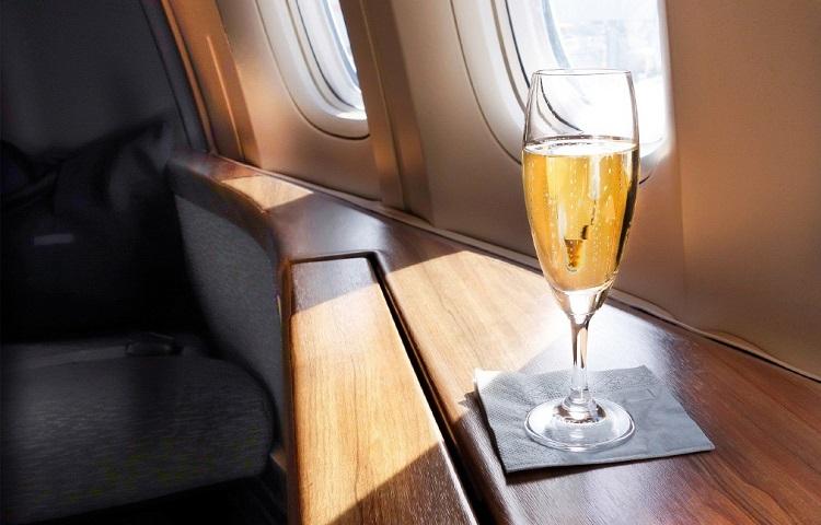 Алкогольные напитки до и во время полета