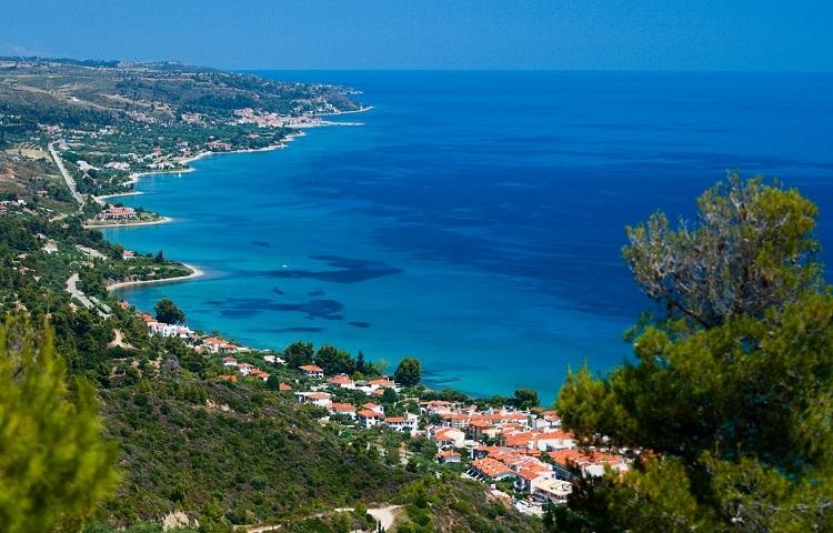 Какие моря омывают курорты Греции