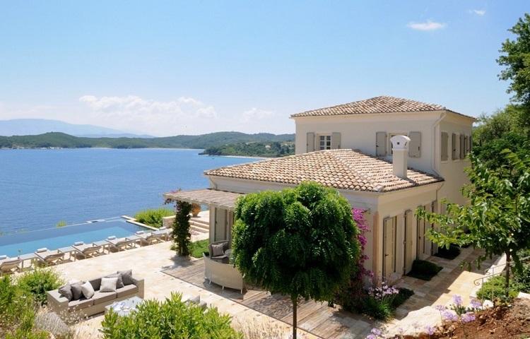 Как найти и снять жилье в Греции у моря