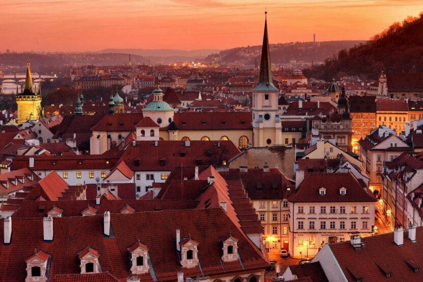 Как оформить страховку для шенгенской визы в Чехию