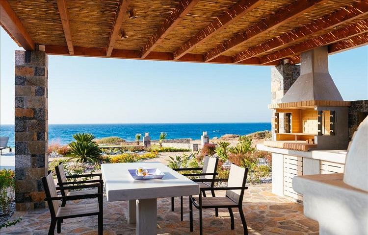 Вилла в Греции на берегу моря