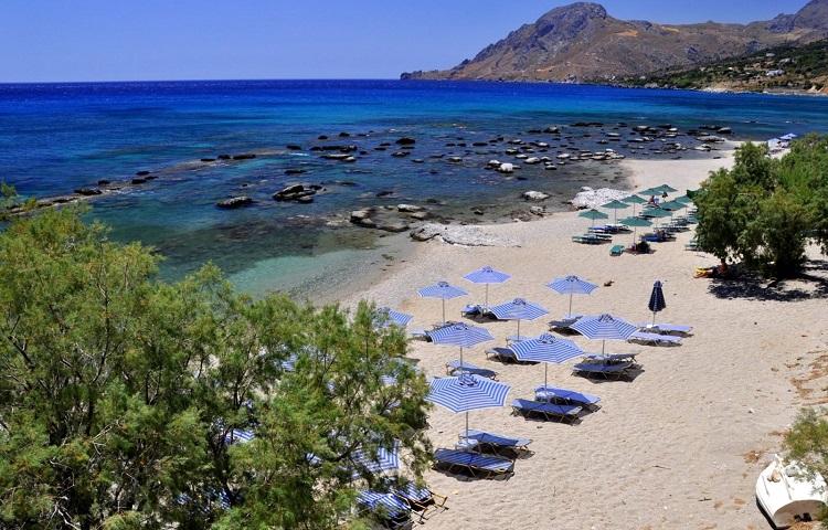 Пляж Плакиас на острове Крит – место для спокойного отдыха