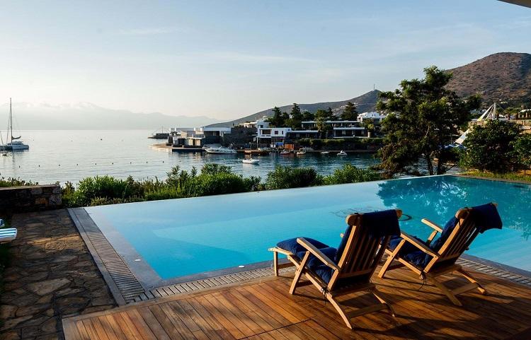Гостиницы греческого курорта Элунда
