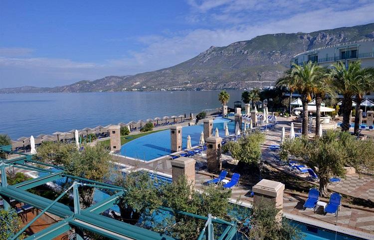 Особенности отдыха в городе Лутраки в Греции