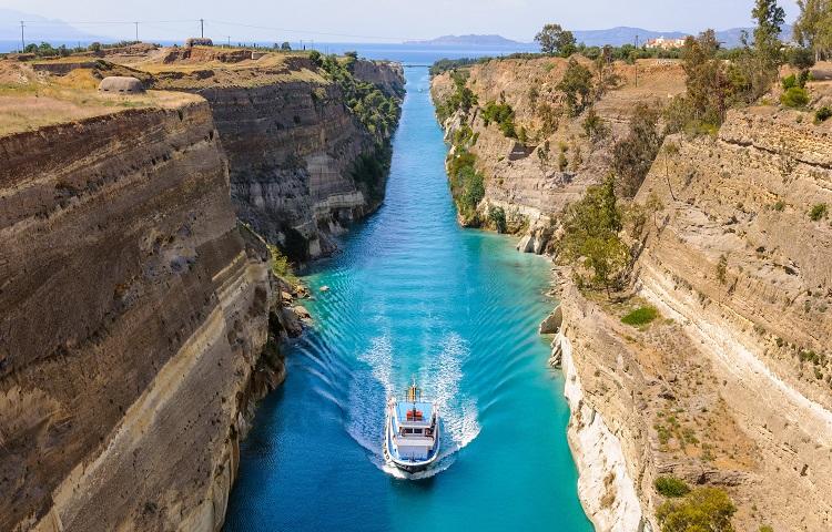 Отдых в городе Коринф в Греции