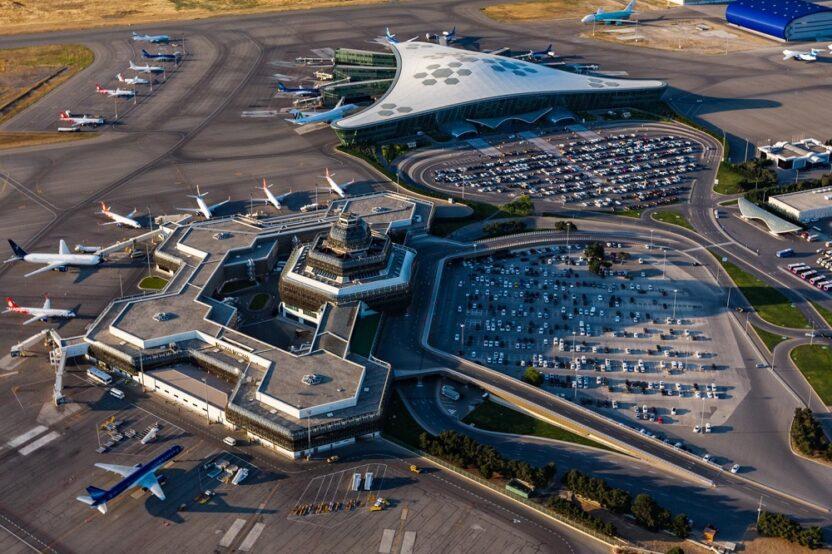 В аэропорту столицы Азербайджана отменены все рейсы