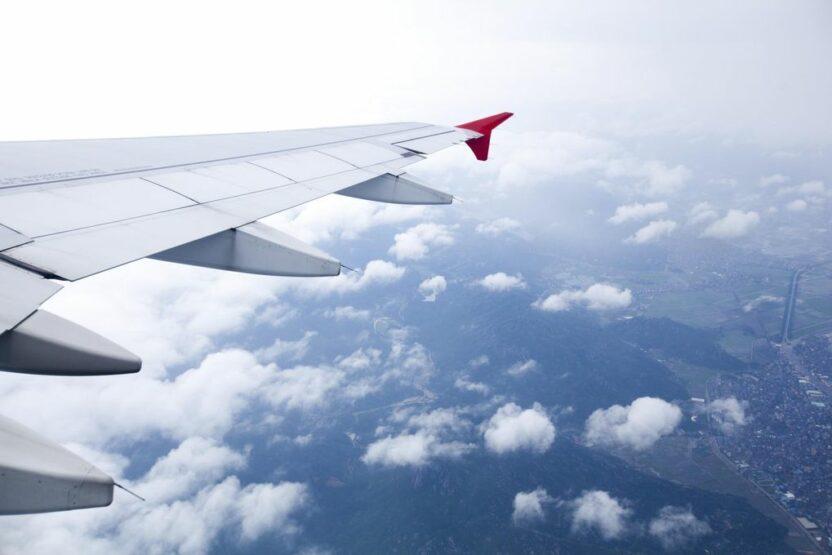 Российским авиакомпаниям разрешили летать в 24 страны