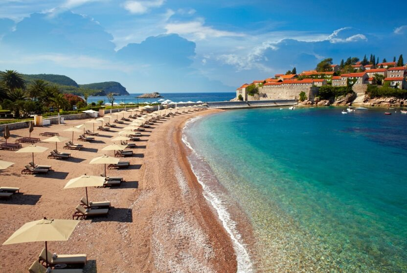 Черногория: пляжный сезон и лучшее время для отдыха