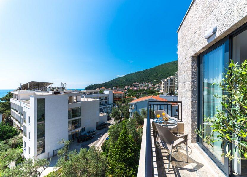Отели в Петроваце, Черногория: расположение, сервис, цены