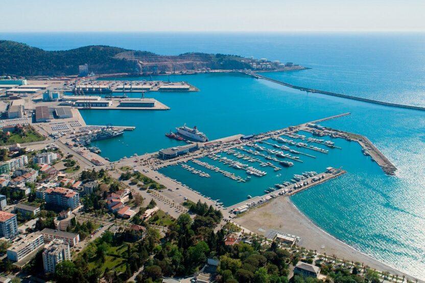 Бар: обзор портового города в Черногории