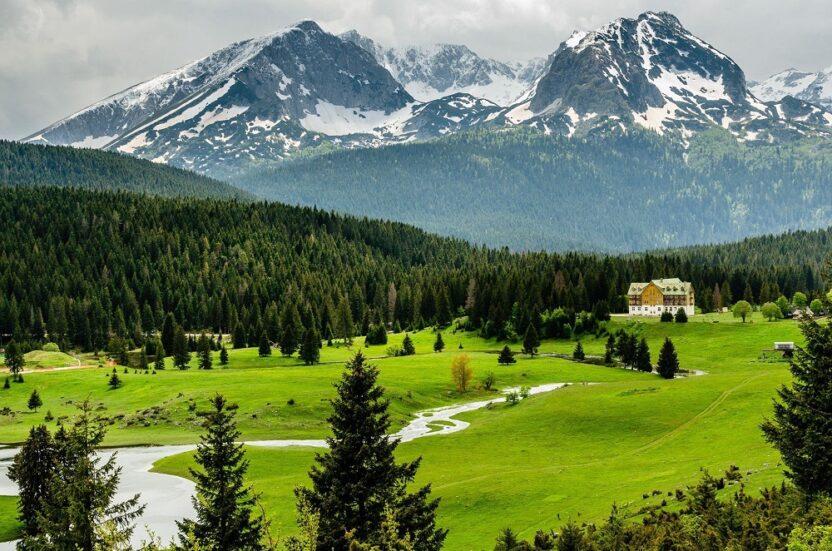 Жабляк в Черногории: летний и зимний отдых, достопримечательности, как добраться