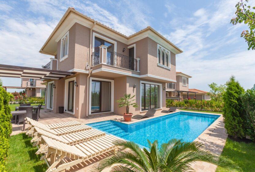Дом, квартира, коттедж или вилла: выбор и аренда жилья в Болгарии на время отдыха