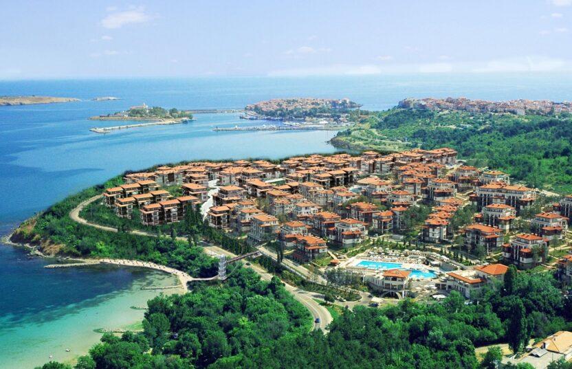 Отдых в городе Созополь в Болгарии: пляжи, развлечения, жилье, цены