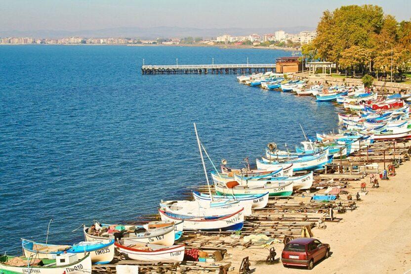 Отдых в Поморие в Болгарии: пляжи, лечение, жилье, цены, как добраться
