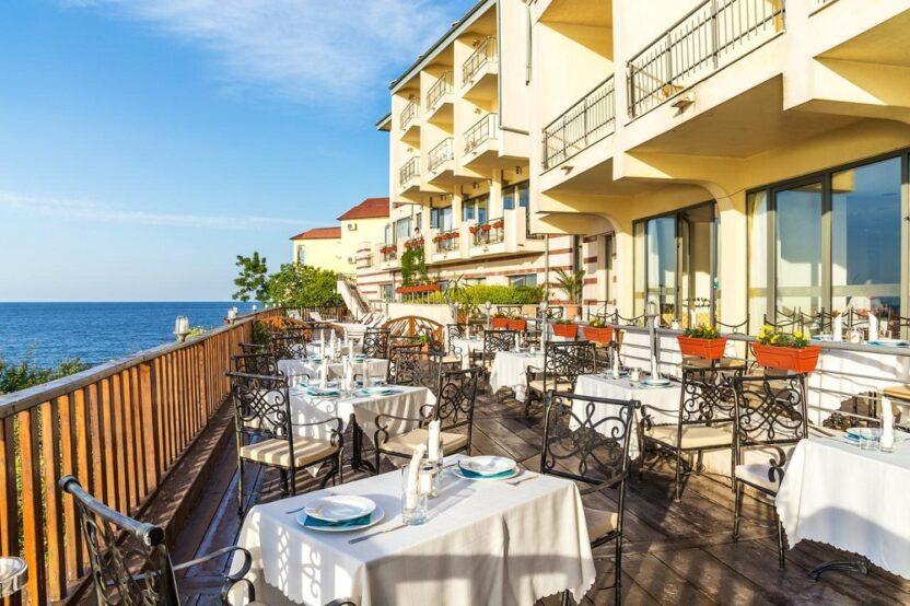 Популярные отели в Созополе, Болгария: расположение, сервис, стоимость